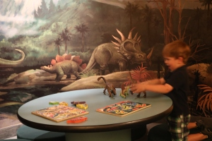 So many different dinosaurs games and activities!